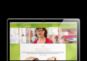 Notebook mit geöffneter Website Praxis Kern-Gesund